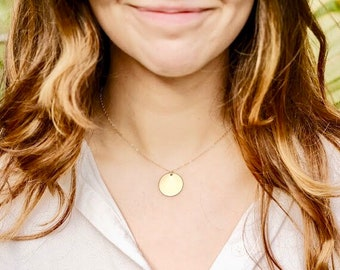 Gold necklace, womens gold necklace, simple gold necklace, gold round necklace, gold pendant, beach jewelry, minimalist gold jewelry, simple