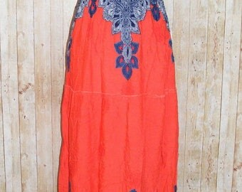 Size 6-8 vintage 70s tier shirred bust maxi dress red/blue paisley print (HJ76)