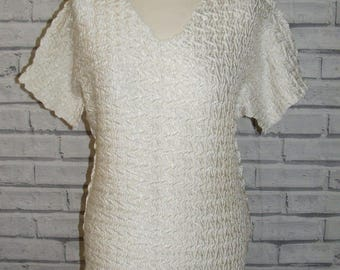 Size 12-14 vintage 90s stretchy crinkle top batwing sleeve shiny white (IC95)