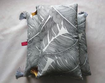 Exotic cushion in cotton and linen white, gray and washed off, 48.5 x 29