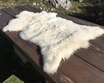 Big genuine Sheepskin Rug from Bosnia / 76