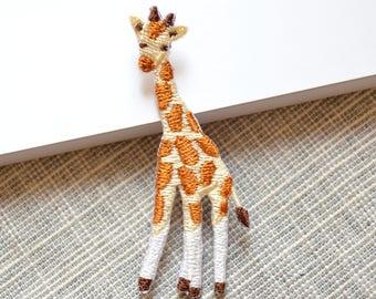 Lovely little giraffe iron-on patch ,cartoon animal giraffe embroidered patch