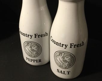 Vintage ceramic salt and pepper shakers/ Country Decor/Country Fresh