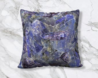"Heirloom & Knot Tanzanite / December Pillow Cover 22"" x 22"""