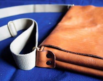 leather messenger bag / shoulder bag