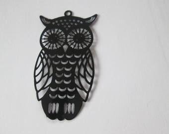 1 print large black metal OWL of 47 x 26 mm