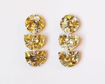 ODD Dangly Earrings in Gold Glitter Acrylic