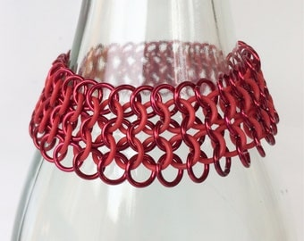 Chainmaille bracelet, european 4-1 of red with rubber rings, stretch bracelet, stretchable bracelet, red bracelet, Tessa's chainmail