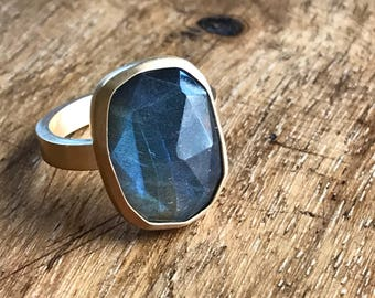 Holiday Collection: Labradorite freeform rose cute ring with rectangle band. 14k gold plated sterling.