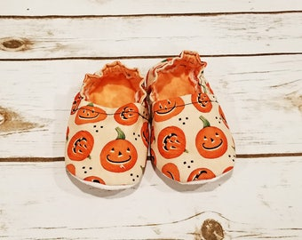 Baby shoes-baby booties-baby slippers-baby moccasins-pumpkin baby shoes-fall baby shoes-baby gift-baby shower gift-baby girl-baby boy