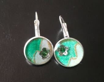 Inlaid earrings. 1.6 cm