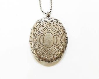 Vintage Roman Engraved Oval Locket Pendant Necklace