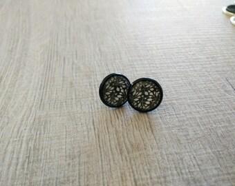 Earrings white leaf motifs