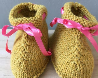Mustard knit baby booties