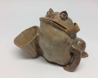 sculpture frog,lucky frog,handmade gift,animal artwork,Home decorations,pottery,Art Collection,