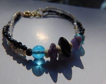 Beaded wire bracelet