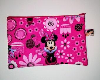 Minnie Mouse Zipper Clutch