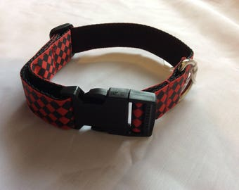 Large dog collar adjustable novelty red chequered design