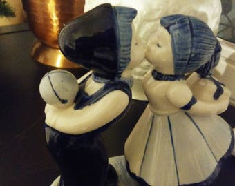Kissing girl and boy-Dutch souvenir