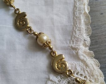 Vintage 1950's brass necklace. Vintage 50's brass necklace