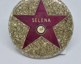 La Reina  2.25 Button