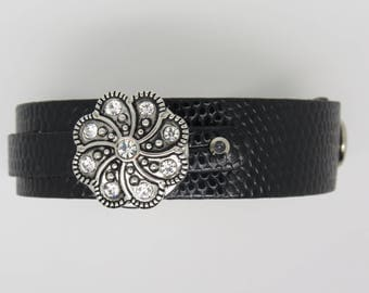 WOMEN BLACK LEATHER WITH CENTRAL PATTERN BRACELET