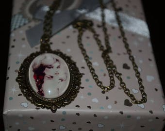 Vintage and romantic necklace