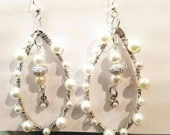 Elegant pearl bead earrings