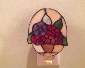 Beautiful Vintage Stained Glass Nightlight