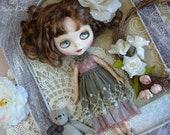 Blythe green vintage dress, Blythe clothes, Pullip dress, pullip clothes, lace dress, dress with lace