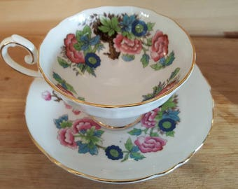 Stunning cabinet cup and saucer, Royal Sutherland