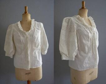 Vintage Lace Blouse / Tyroller Drindl Folklore Blouse