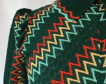 1970s Vintage Rainbow Chevron Cropped Sweater