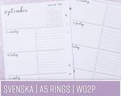 SV WO2P | En vecka per uppslag/Horisontell med lista | A5 Rings svenska | Kalenderinlaga till Filofax, Kikki K och andra ringbundna planners