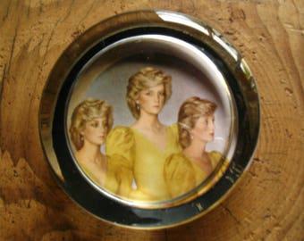 lady Diana Memorabilium/souvenir, glass presse-papier/ paper weight, vintage.