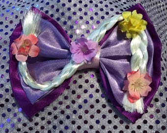 Tangled hair bow !!