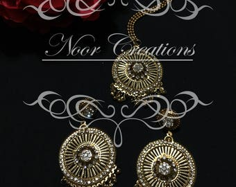 Gold Earrings with matching Tikka!