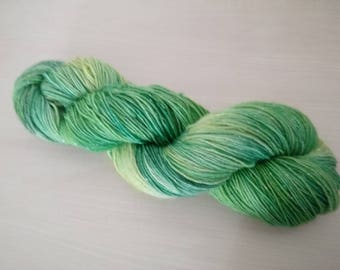 Hand-dyed sock yarn Mamba glitter