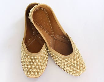 Women Bridal Wedding Shoes/Indian Gold Pearl Shoes/Gold Wedding Flats/Gold Ballet Flats/Jasmine Shoes/Khussa Shoes/Rani Shoes