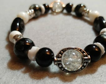 Black and White Glass Bead Bracelet