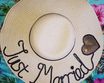 Just married, Honeymoon hat, floppy hat customised hat, custom straw hat, personalised hat, custom beach hat,