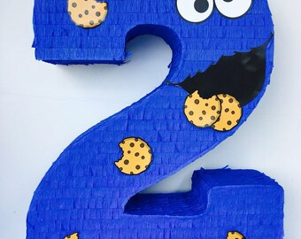 Birthday Celebration Cookie Monster Pinata (Sesame Street). Celebration birthday piñata monster of cookies (sesame)