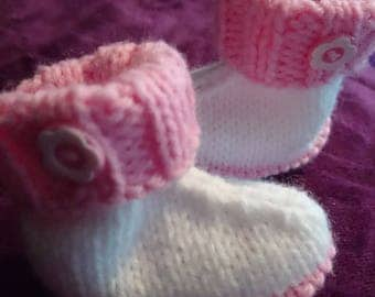 Hand knitted baby Hugg boots