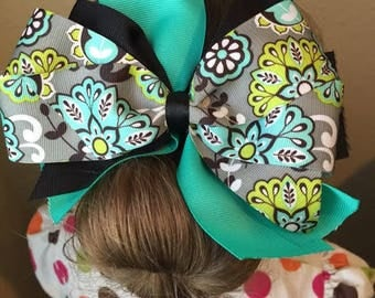 Large triple layer 6 in MultiColored Hairbow with alligator clip