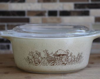 Pyrex Forest Fancies Casserole Dish with Lid - #472-B, 750ml