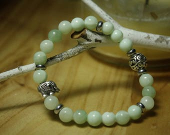 adventurine bracelet with elephant accent bead