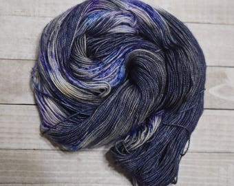 Hand-dyed, sock weight yarn, 100% merino wool, 2-ply, 400yds, colorway *Gloom*