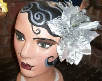 Silver Sparkle Mistletoe Christmas Pin Up Hair Piece
