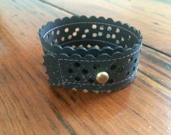 Perforated rubber cuff