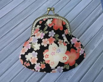 Metal frame coin purse/Black with pink and lavender flowers